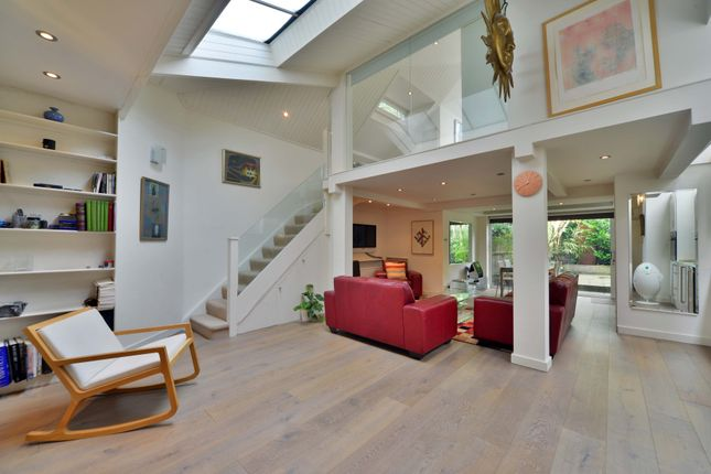 1 bed terraced house to rent in Parkhill Road, Belsize Park