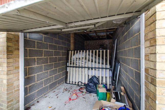 Parking/garage to rent in Wycliffe Road, Shaftesbury Estate