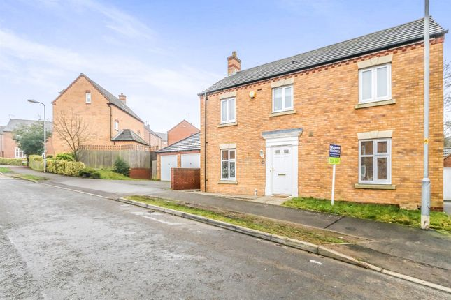 3 bed detached house for sale in Weighbridge Way, Raunds, Wellingborough