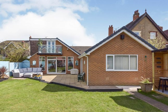 Thumbnail Property for sale in North Parade, Grantham