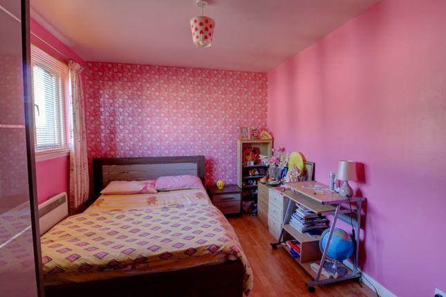 Bedroom 2 of Heather Gardens, Dundee DD3