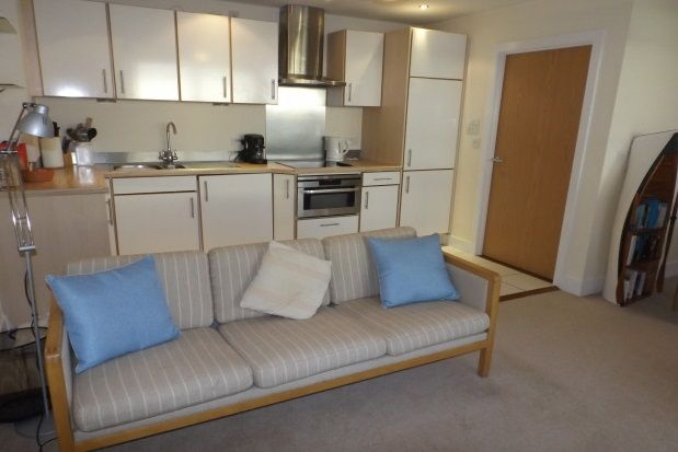 Thumbnail Flat to rent in Breakwater House, Prospect Place, Cardiff