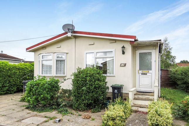 Mobile/park home for sale in Oak Tree Park, St. Leonards, Ringwood