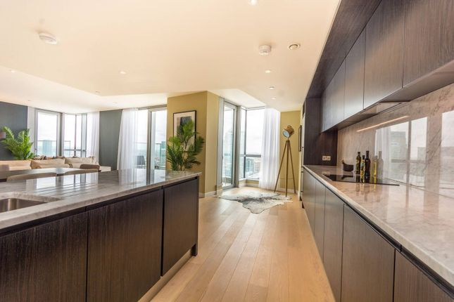 Thumbnail Flat for sale in Charrington Tower, Docklands, London
