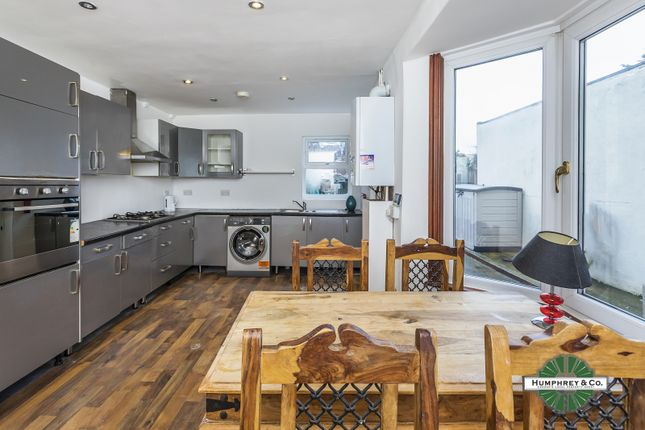 Thumbnail Terraced house to rent in Melville Road, London