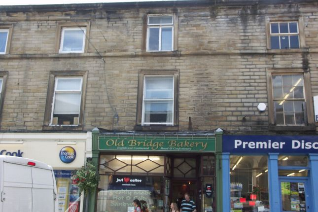Thumbnail Flat to rent in Victoria Street, Holmfirth