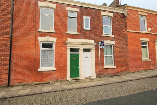 Thumbnail Shared accommodation to rent in Christ Church Street, Preston