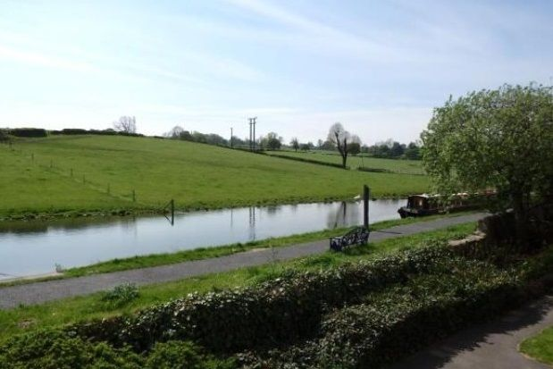 Thumbnail Flat to rent in Canal House, Rodley