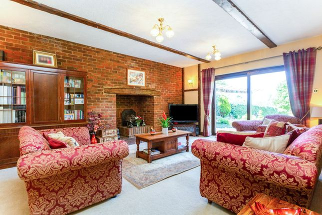 Living Room of Swanley Village Road, Swanley BR8