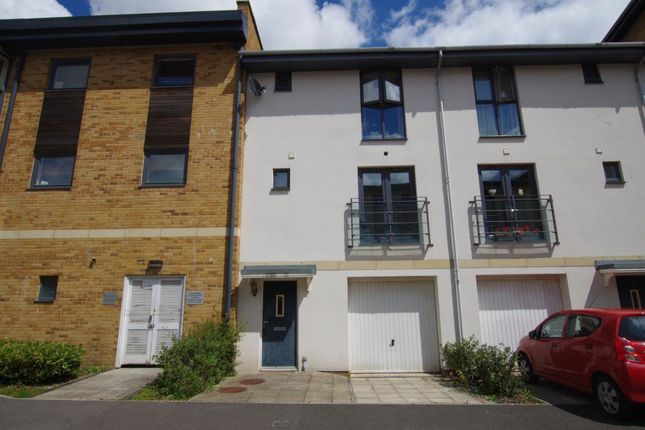 Thumbnail Property to rent in Pasteur Drive, Swindon