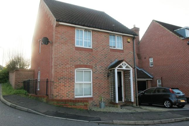 Thumbnail Detached house to rent in Hyde Close, Chafford Hundred, Grays