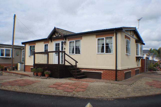 2 Bed Mobile Park Home For Sale In Iford Bournemouth