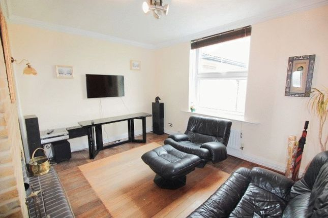 Thumbnail Property to rent in St. Katharines Way, London