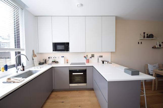 Thumbnail Terraced house for sale in Olympian Way, Greenwich