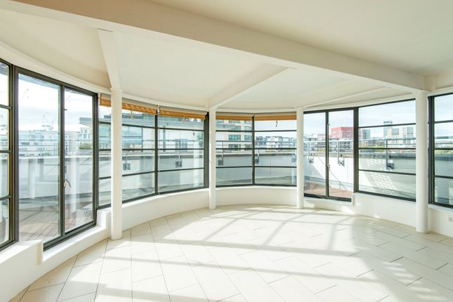 Thumbnail Flat for sale in New Wharf Road, Kings Cross, London