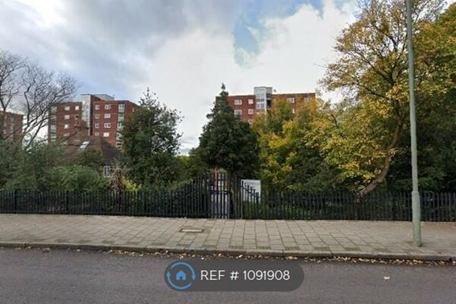 1 bed flat to rent in Blake House, Beckenham BR3