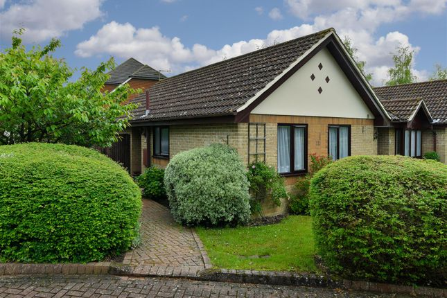 Thumbnail Bungalow for sale in Mill Lane, Merstham, Redhill