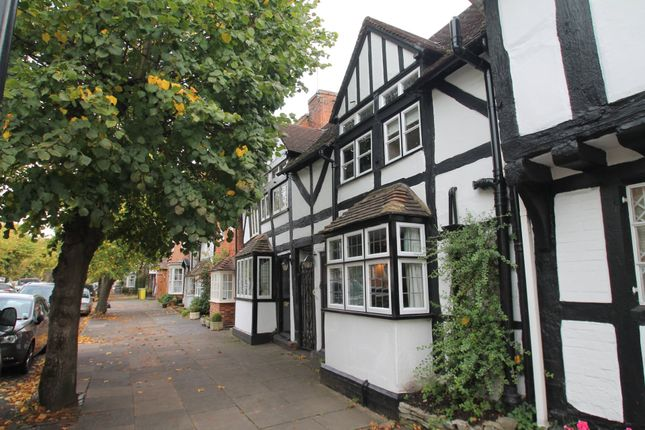 Thumbnail Cottage for sale in High Street, Henley-In-Arden