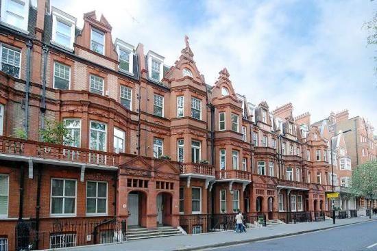 Thumbnail Flat to rent in Lower Sloane Street, London