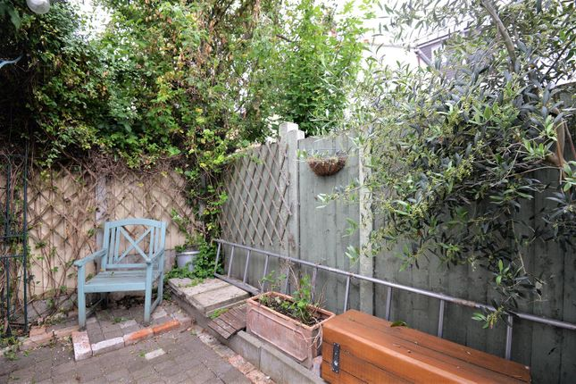 Miraculous 2 Bed End Terrace House For Sale In Dawlish Road Leyton Andrewgaddart Wooden Chair Designs For Living Room Andrewgaddartcom