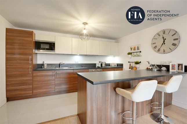 Thumbnail Flat to rent in Belvedere House, Kew Bridge Road, Brentford