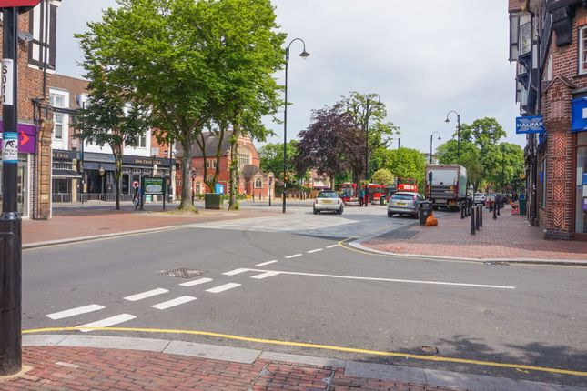 Local Area of Woburn Avenue, Purley CR8