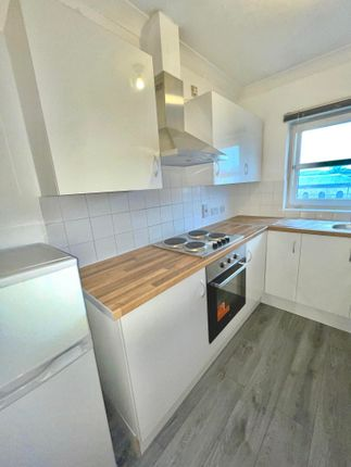 Thumbnail Flat to rent in Manor Road, Chatham