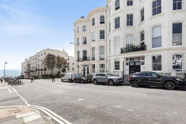 3 bed flat for sale in Eaton Place, Brighton BN2