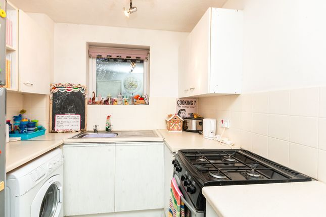 Thumbnail End terrace house to rent in Woodgarston Drive, Basingstoke