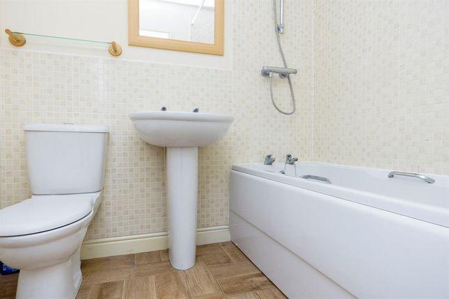 Bathroom of Suffolk Road, Westbury BA13