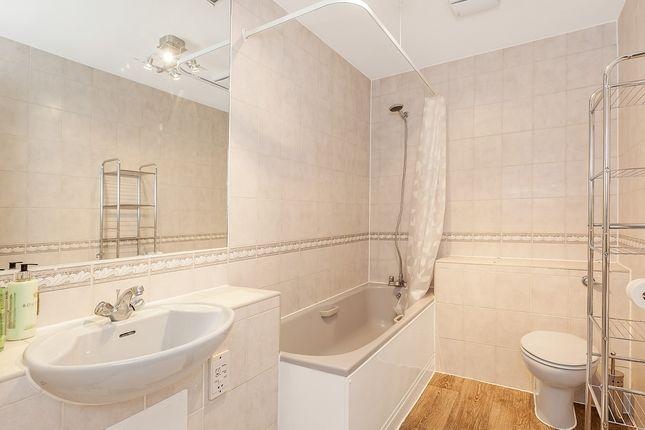 Bathroom of Backchurch Lane, Hooper Square, London E1