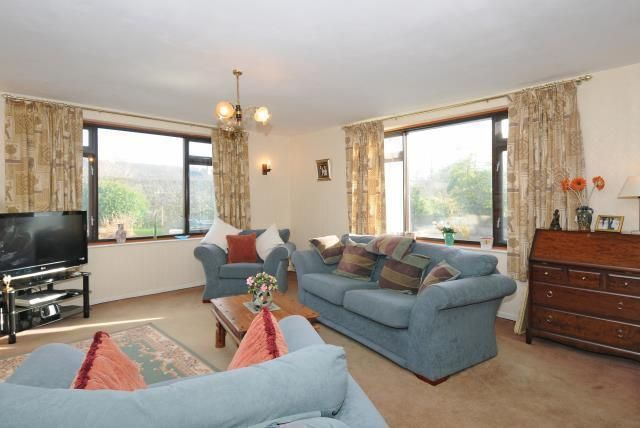 Thumbnail Bungalow for sale in Elizabeth Road, Kington