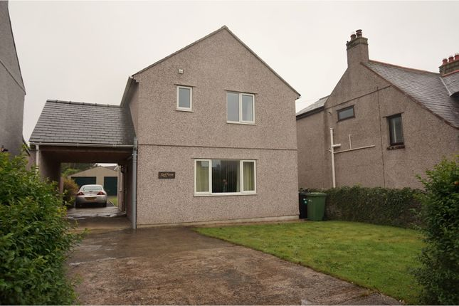 Thumbnail Detached house for sale in London Road, Holyhead