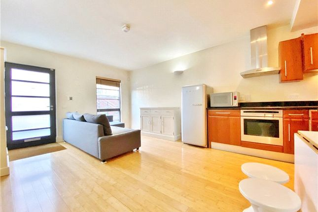 1 bed flat for sale in Harvard Road, Isleworth TW7