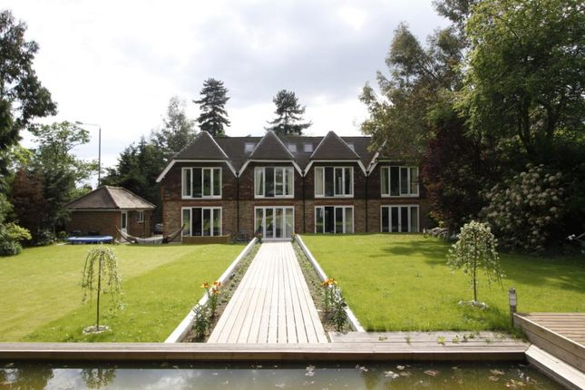 Thumbnail Detached house to rent in Warren Road, Coombe Hill