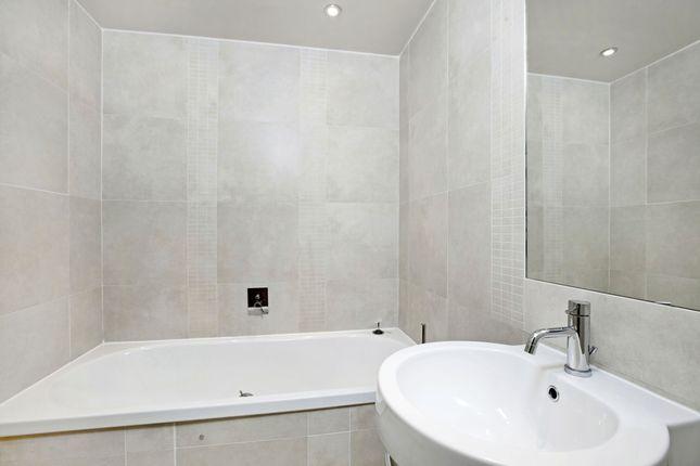 Bathroom of Court Road, Maidenhead SL6