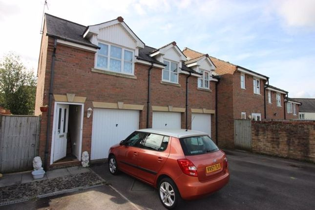 2 bed flat to rent in Listers Place, Cinderford GL14