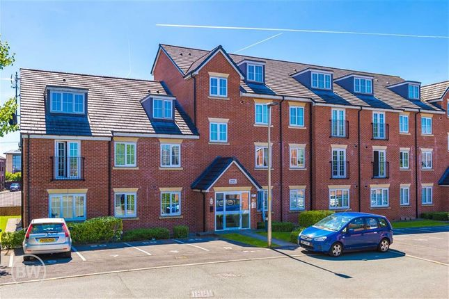 2 bed flat to rent in Priestfields, Leigh, Lancashire