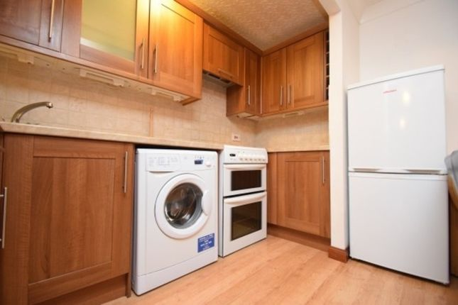 2 bed flat to rent in Cromwell Court, Shore Street, City Centre IV1