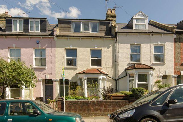 Thumbnail Flat to rent in Crescent Road, Alexandra Park