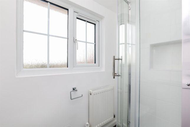 Bathroom of Coombes Road, Lancing BN15