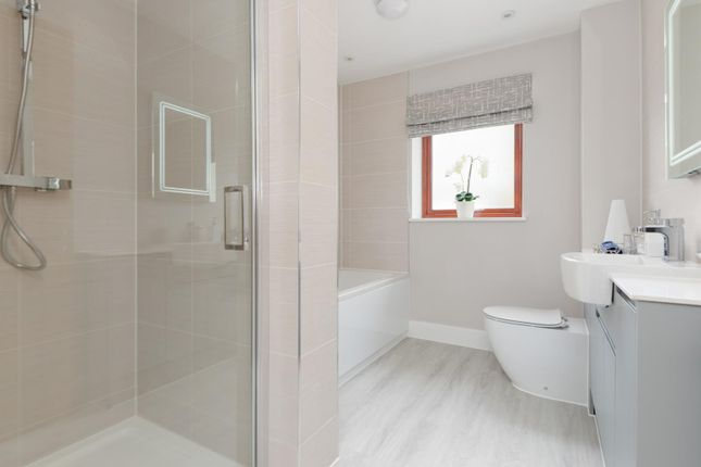 En-Suite of Heritage Fields, Manor Road, St Nicholas-At-Wade CT7