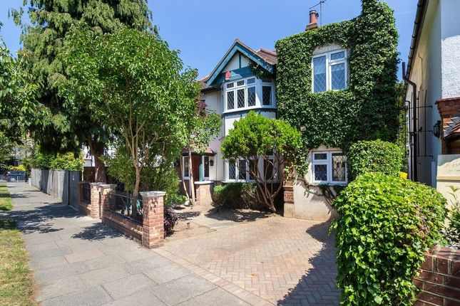 Thumbnail Property to rent in Staveley Road, Chiswick, London