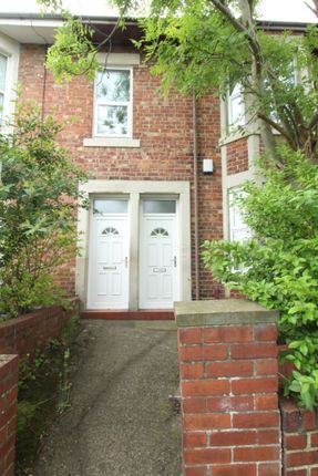 Thumbnail Flat to rent in Stratford Grove West, Newcastle Upon Tyne