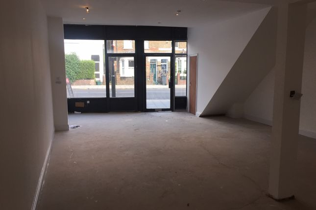 Retail premises to let in St. Johns Road, Isleworth