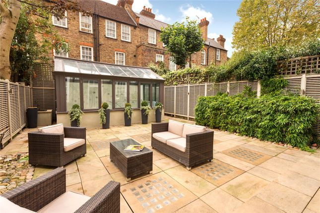 Thumbnail Terraced house for sale in The Vale, Chelsea, London