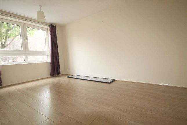 Flat to rent in Lavender Hill, London