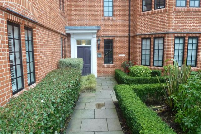 Thumbnail Flat for sale in Albert Court, Brentwood, Essex
