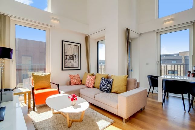 Thumbnail Flat for sale in Whiting Way, London