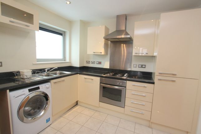 Thumbnail Flat to rent in Moon Street, Plymouth